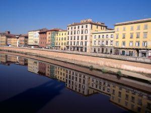 Mirrored-Pisa-Italy-1-1600x1200