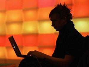 laptop-computer-working-focus-3