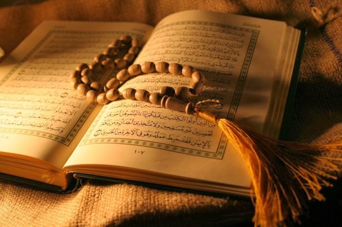 hukum membaca quran kepada yang meninggal