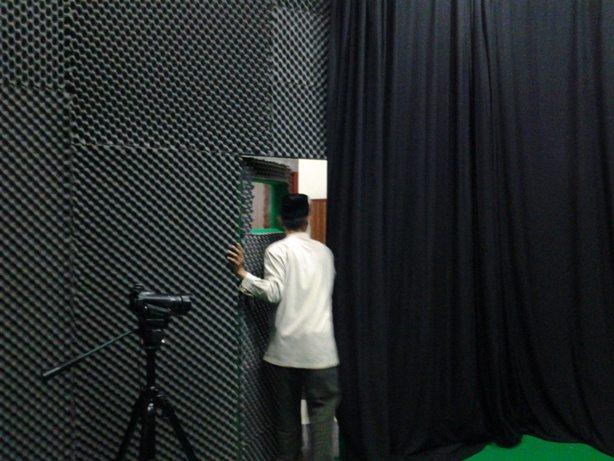 pembuatan studio  tv