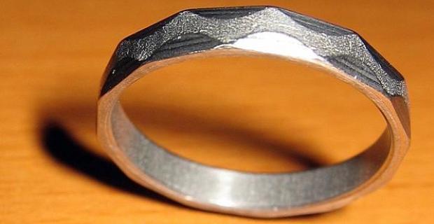 cincin besi
