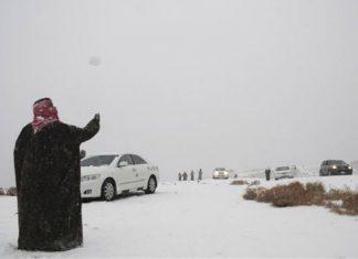 salju turun di tabuk saudi arabia