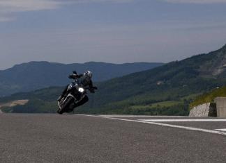 shalat naik motor