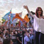 Cristina Kirchner saludó a la madre de Santiago Maldonado en el Día de la Madre