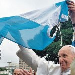 Francisco designa a dos «curas villeros» como obispos en Argentina y avanza hacia una «Iglesia con pastores con olor a oveja»