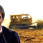 El endeudador serial, Luis Caputo, con acciones en una empresa denunciada por desmontes ilegales