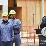 El gobierno comenzó con la agenda del FMI recortando el salario de estatales en un 12%