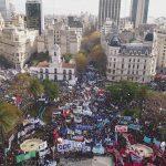 Cientos de miles de personas en la #MarchaFederal pidieron un Paro General y la unidad del campo popular