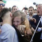 La heroína palestina Ahed Tamimi libre: «Llamo a luchar hasta el fin de la ocupación israelí y la liberación de presos políticos palestinos»