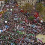 """Medio millón de personas tomaron las calles contra Macri: """"Una y mil marchas y paros para que caiga este modelo económico"""""""