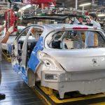 Peugeot suspende a 2000 trabajadores, la totalidad de su planta de El Palomar, por la caída de las ventas