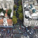 """""""El Gobierno y el FMI se están afanando un país entero"""". Más de 200.000 trabajadores se manifestaron contra Macri"""