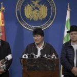 Morales: «Está en marcha un golpe de Estado». Oposición rechazó el diálogo, policía sigue amotinada y FFAA se abstiene de intervenir