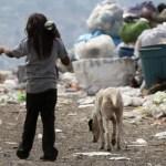 Más del 40% de los niños argentinos carece de cloacas, agua potable y gas natural