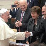 """El Papa a la titular del FMI: """"No es lícito exigir el pago de la deuda con el hambre y la desesperación de poblaciones enteras"""""""