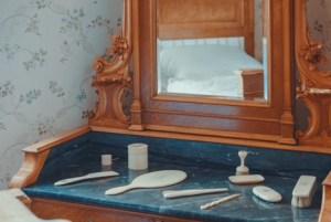 , Ideas To Beautify Your Vanity Room