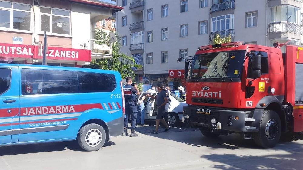 Seydişehir'de otomobildeki yangın büyümeden söndürüldü