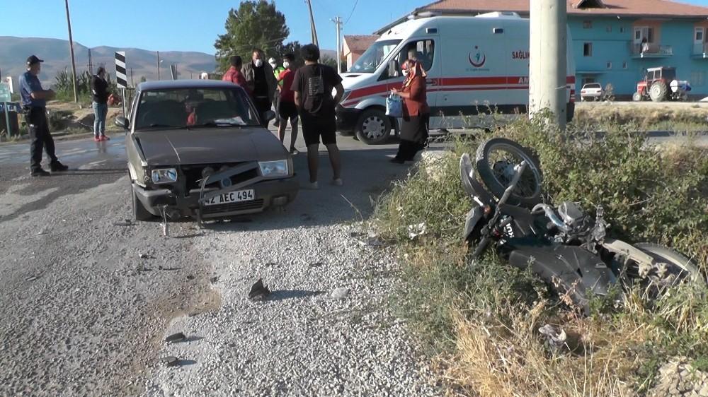 Ereğli'de otomobil ile motosiklet çarpıştı: 2 yaralı