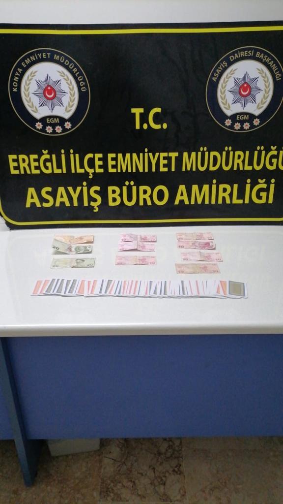 Kiralanan evde kumar oynayan 11 kişiye 42 bin lira ceza