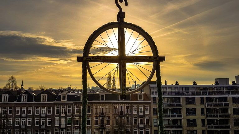 13 THINGS YOU SHOULD KNOW BEFORE PLANNING YOUR TRIP TO AMSTERDAM