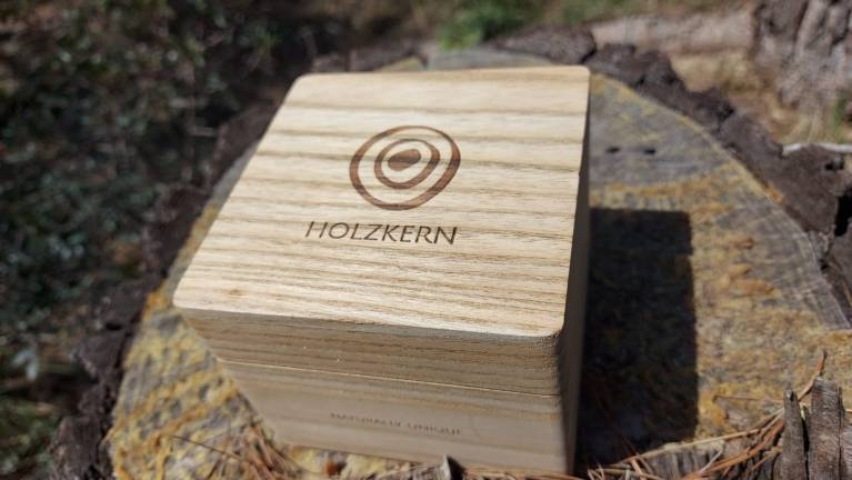 HOLZKERN UNIQUE WATCHES MADE FROM WOOD AND STONE
