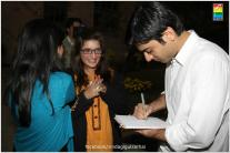 Fawad Khan Meets The Fans of Zindagi Gulzar Hai (14)
