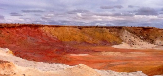 Ochre pit in Yantruwanta country, South Australia. Photo: © John Patten 2013