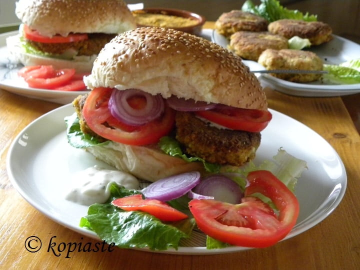 Nistisima Mpiftekia Revithion (Vegan Chickpea Burgers) with Zucchini and Bulgur