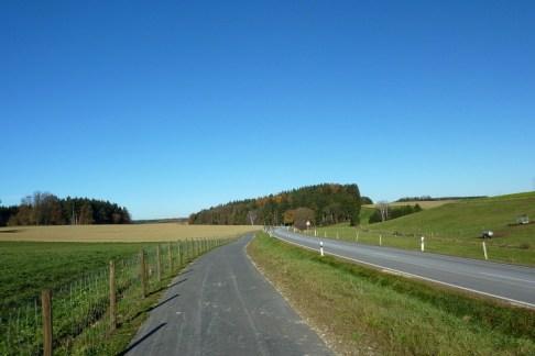 Richtung Bachern über astreine Radwege