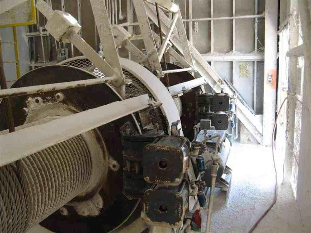 medium resolution of emergency caliper disc brakes for container crane