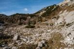 Dolina Za Kopico. Samotna, kar verjetno ne moremo reči za sosednjo dolino Triglavskih jezer.