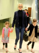 gallery-1466785725-nicole-kidman-daughters-sunday-rose-faith-margaret