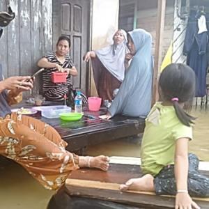 Korban Terdampak Banjir Satui, Meski Pemerintah Siapkan Lahan Relokasi, Warga Tetap Bartahan