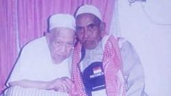 Syekh Abdul Karim Al Banjari (kiri) bersama KH. Abdul Syukur asal Kota Martapura, Kalimantan Selatan. (foto: laman fb M.Syafii)