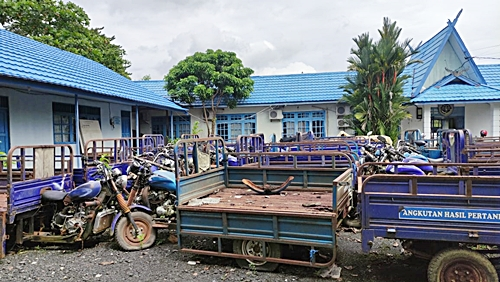 Puluhan kendaraan Tosa di Dishub Batola terbengkalai. (foto: faqih)