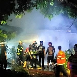 Update, Kebakaran di Gang Famili Hanguskan Tiga Rumah, Warga; Terdengar Ledakan