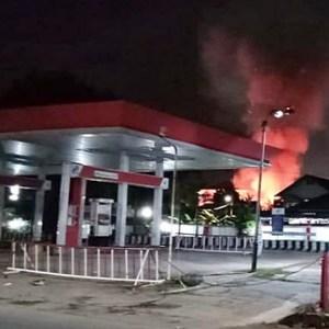 Api Berkobar Dekat SPBU, Warga Jalan Soetoyo Banjarmasin Panik