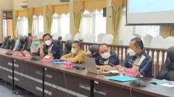 Rapat Dengar Pendapat (RDP) DPRD Banjarmasin dengan jajaran Direksi PDAM Bandarmasih.(foto: yanda)