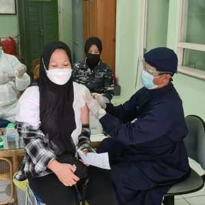 Ciptakan Herd Immunity, 182 Orang Terima Vaksin di Lanal Banjarmasin