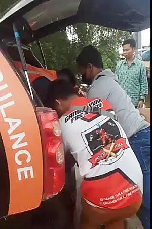 Korban dievakuasi ke rumah sakit. (foto: istimewa)