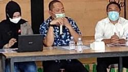 Anggota Komisi IV DPRD Kalsel, Yudi Wahyuni saat sosialisasi di Tapin.(foto: ist)
