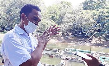 Pihak Dinas Perikanan Kabupaten Banjar saat diwawancarai sejumlah wartawan. (foto: dewi)
