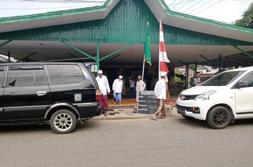 Melayat wafatnya KH.M Nawawi