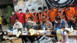 Direktorat Reserse Narkoba (Ditresnarkoba) Polda Metro Jaya membongkar kasus peredaran ekstasi sebanyak 5.052 butir. (Suara.com/M. Yasir)