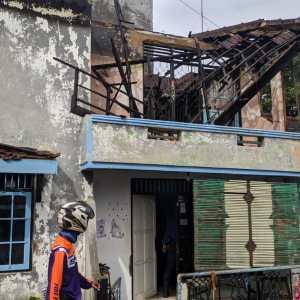 Api Berkobar di Lantai Dua, Pemilik Rumah di Lantai Satu Tidak Tahu