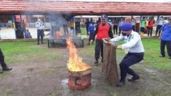 Praktik pembekalan pemadaman api di Rutan Marabahan. (foto:ist)