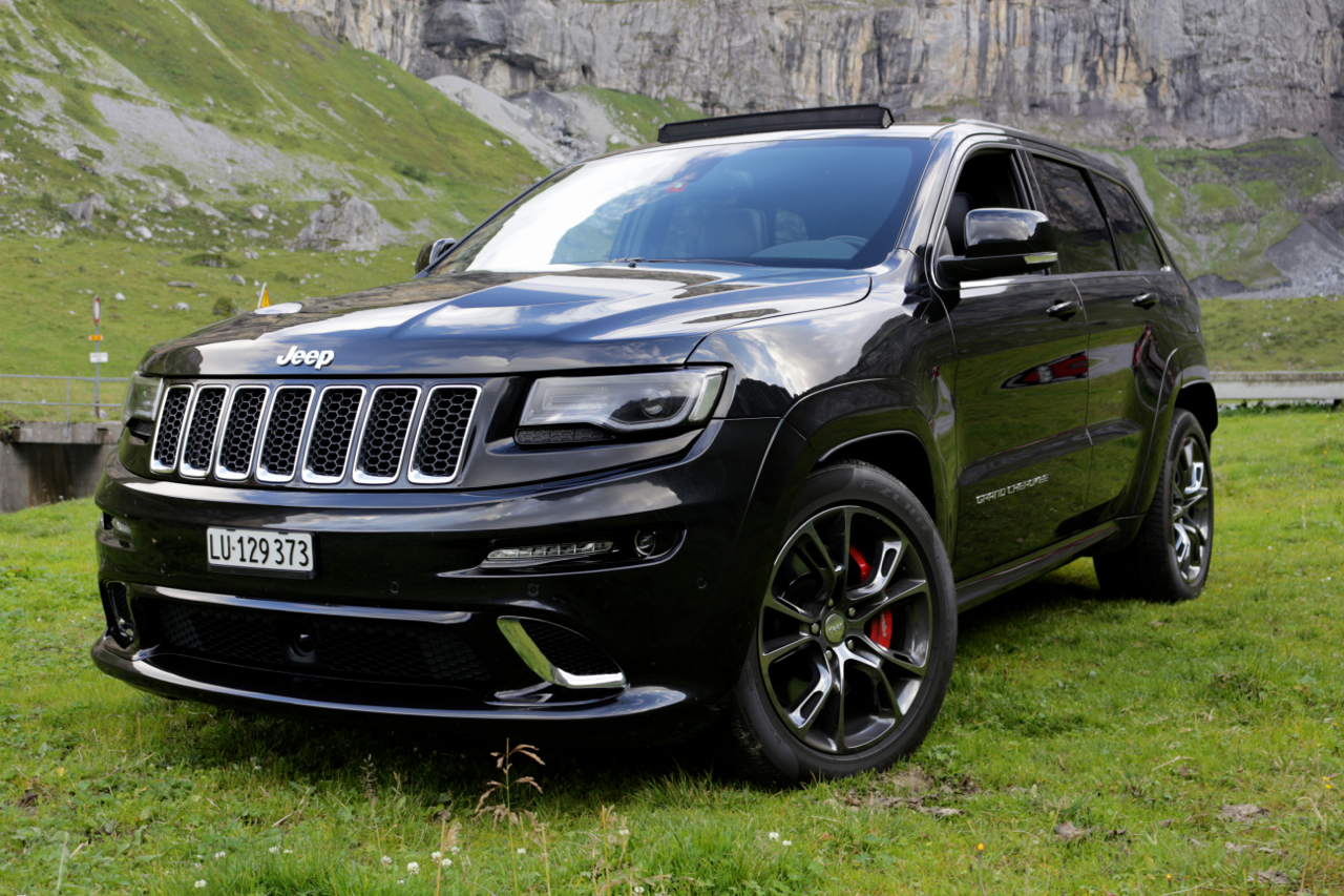 Jeep Srt 8 2017 >> Jeep Grand Cherokee SRT: Die Ein-Mann-Armee - Koray's Car Blog