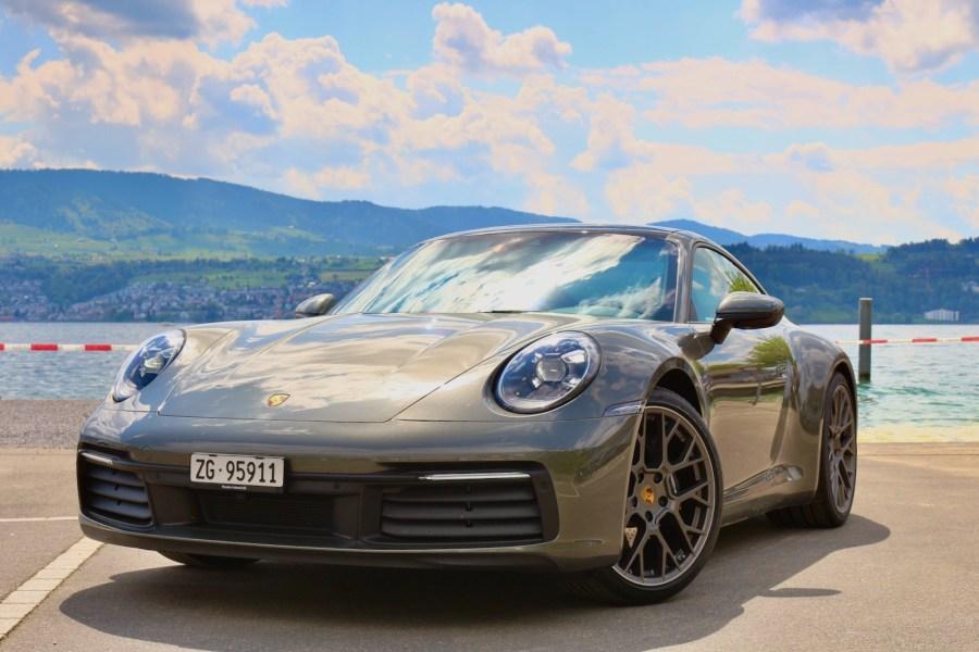 2019 Porsche 911 Carrera