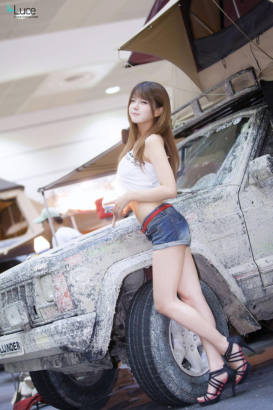 Shin Min Ah Cute Wallpaper Korea Auto Camping Show Kas Korean Girls Hd