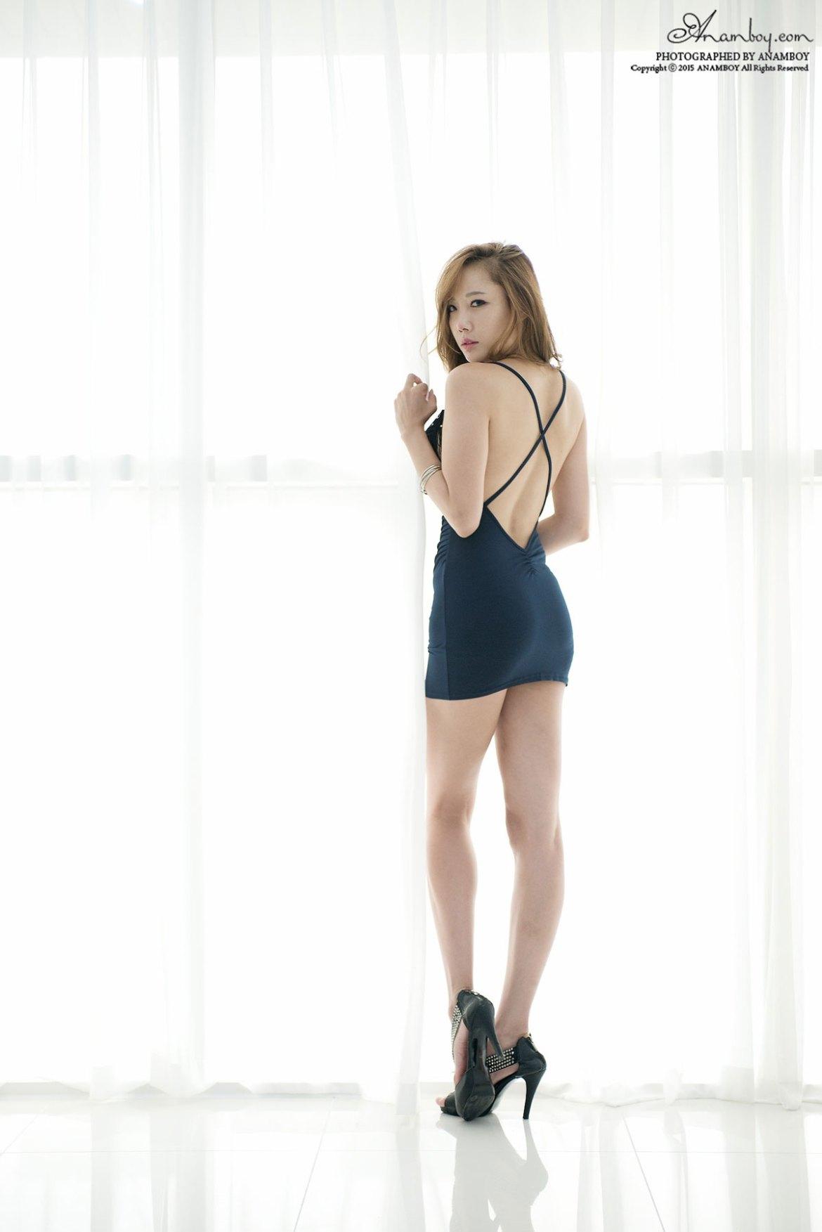 Seo Aran blue dress studio photoshoot